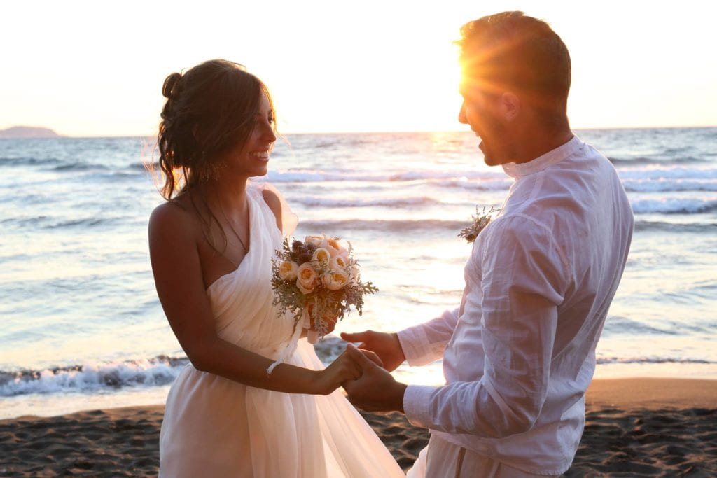 Matrimonio sulla spiaggia a Procida (Federica Formisano)