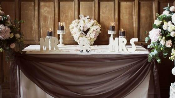 tavolo della cerimonia di nozze figurativa
