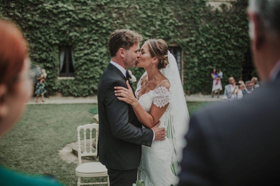 64a8ceb7092e Simon e Zoe  romantiche suggestioni per un rito civile al castello