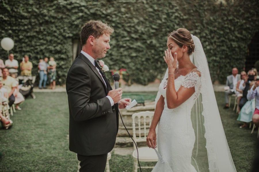 91ddc4be08c2 matrimonio civile tra lecce e brindisi  un momento di commozione durante le  promesse nuziali
