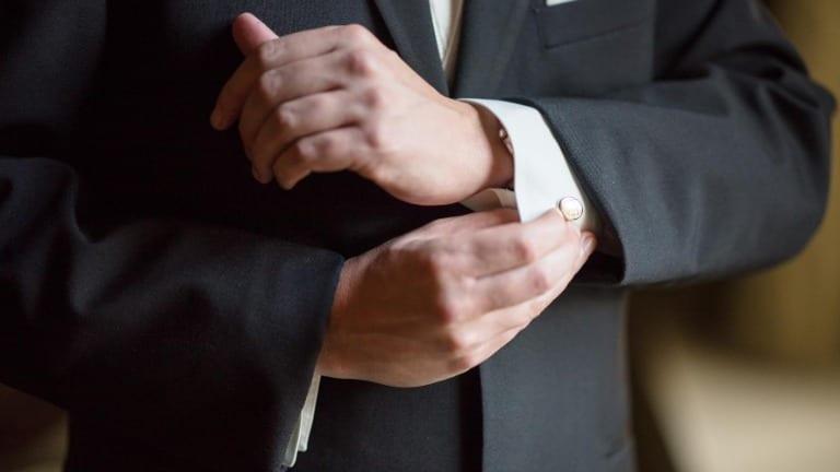 Cosa deve fare lo sposo durante la cerimonia nuziale?